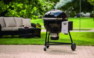 Weber_Summit_Charcoal_Grill_Lifestyle